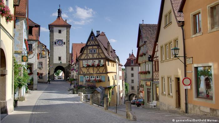 Cobbled streets in the old town center of Rothenburg ob der Tauber, Bavaria, Germany