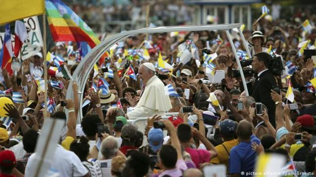 Pope Francis in the papamobile in Havana