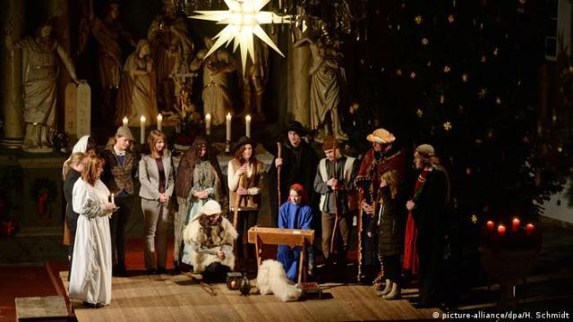Nativity play (Photo: picture-alliance/dpa/H. Schmidt)