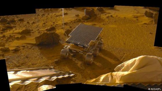 Pathfinder pesawat ruang angkasa dengan rover Sojourner