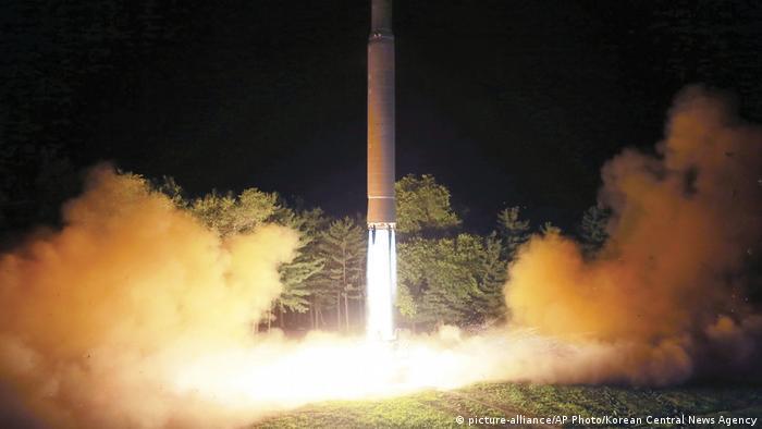 North Korean rocket test (picture-alliance/AP Photo/Korean Central News Agency)