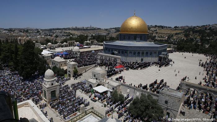 Το Ισραήλ δεν αρνείται την πρόσβαση των μουσουλμάνων στην ιερή πόλη. Το Όρος του Ναού είναι μια αυτόνομη μουσουλμανική διοίκηση. Οι μουσουλμάνοι μπορούν να έχουν πρόσβαση και να προσεύχονται στο τέμενος Αλ-Ακσά και στον Τρούλο του Βράχου.