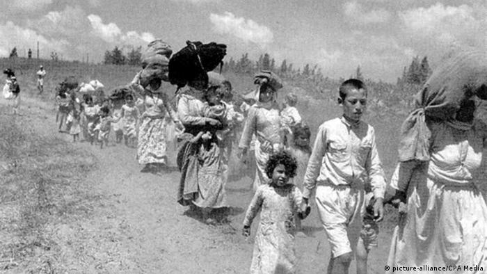 Israel War of Independence 1948 Palestinians fleeing (picture-alliance / CPA Media)