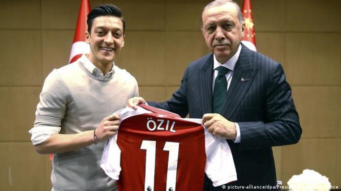 Photo of Ozil with Erdogan