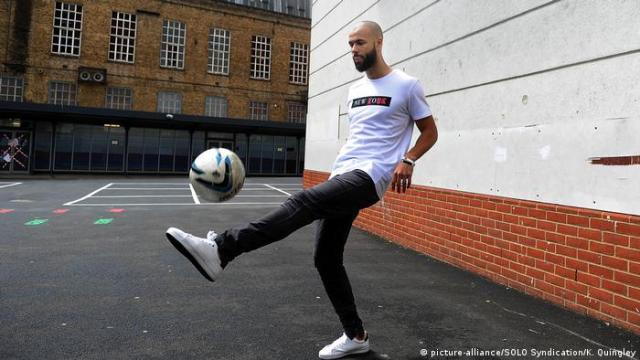 10 Years On Boy Wonder John Bostock Is Making A Name For Himself ... In France (picture-alliance/SOLO Syndication/K. Quingley)