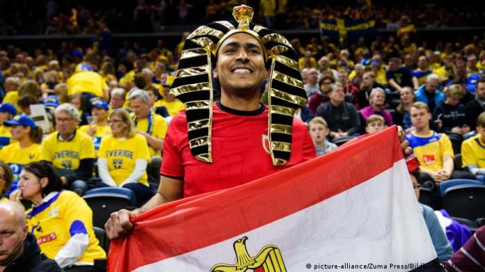 An Egyptian fan during his country's match against Sweden in the World Handball Cup (11/1/209)