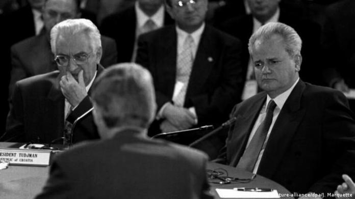 USA Ohio | Franjo Tudjman und Slobodan Milosevic (picture-alliance/dpa/J. Marquette)