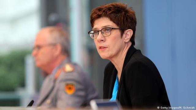 Minister obrony Annegret Kramp-Karrenbauer chce zreformować KSK do lata 20201(Getty Images/M. Schmidt)