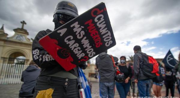Kolumbien Bogota   Demonstration gegen Morde