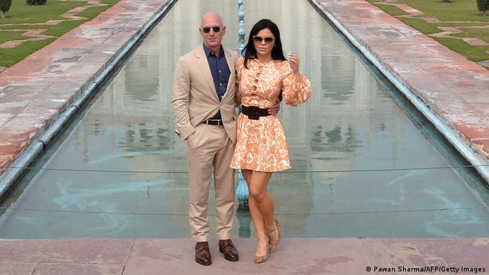 Jeff Bezos and Lauren Sanchez at the Taj Mahal