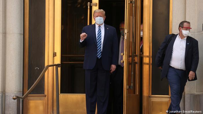 Trump sale del hospital.