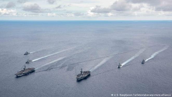 ABD donanmasına ait filolar, Güney Çin Denizi'nde sık sık devriye görevinde bulunuyor