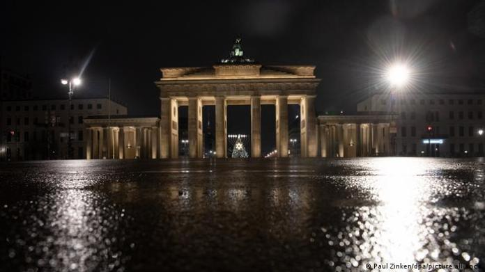 Germany Coronavirus Second shutdown Berlin Brandenburg Gate