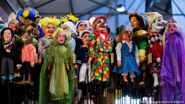 Puppets dressed up in costumes