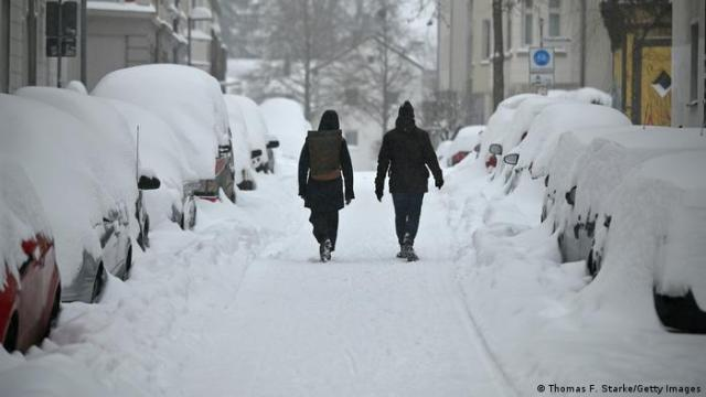Cars buried in snow in Bielefeld