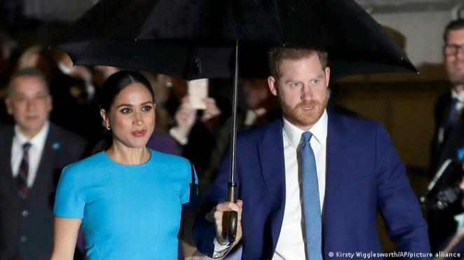 Prens Harry dedesinin cenaze törenine katılırken, eşi Meghan Markle hamileliği sebebiyle İngiltere'ye gelemedi