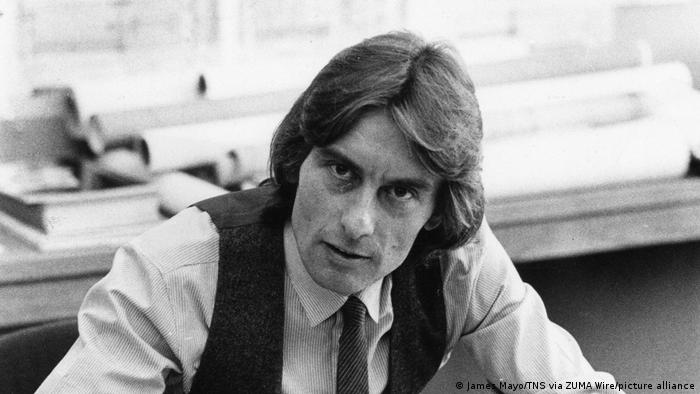 A 1980 black-and-white portrait of Helmut Jahn.