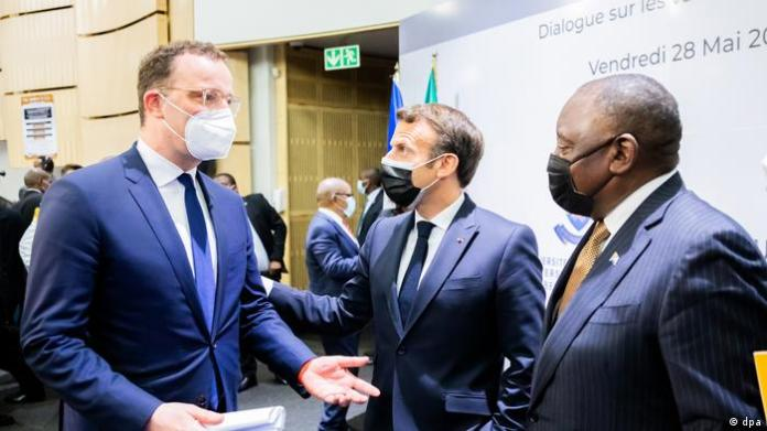 South African President, French President and German health minister in South Africa