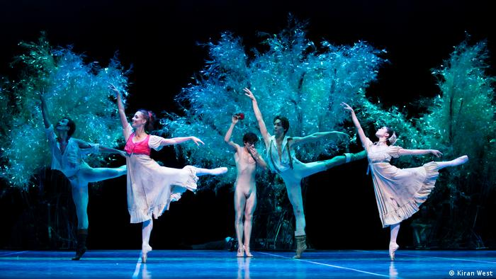 A scene of the ballet A Midsummer NIght's Dream.