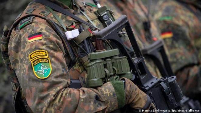 Alman ordusuna düşen görevler konusunda partilerin ayrımlı görüşleri bulunuyor.