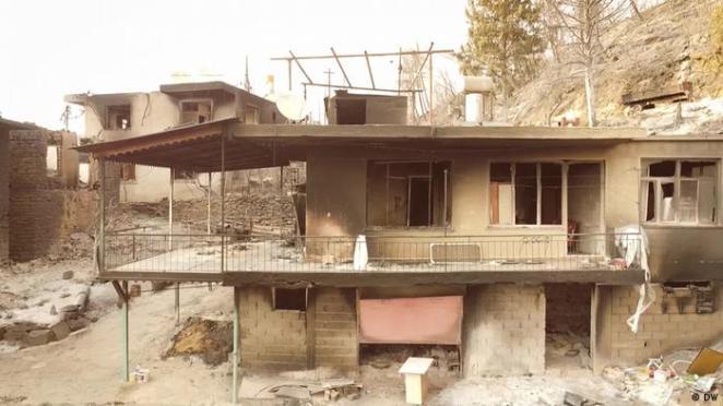 Manavgat'ta yanan evler