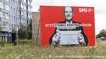 Αφίσα του Όλαφ Σολτς: «Ψηφίστε τώρα σταθερές συντάξεις»