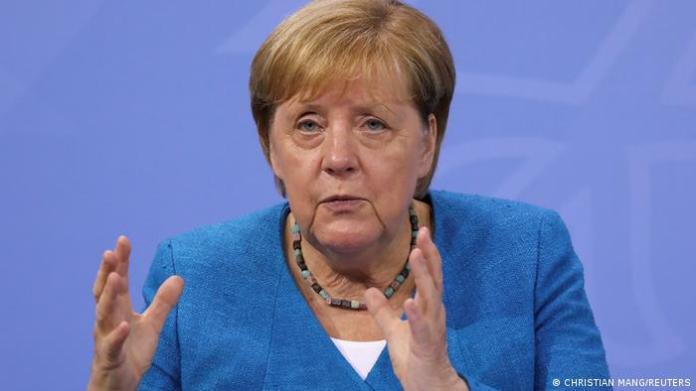 Berlin   Pressekonferenz zur Flutkatastrophe und Coronakrise: Angela Merkel