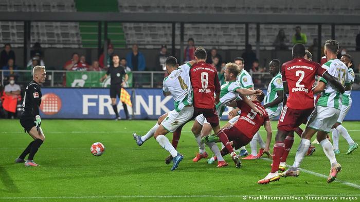 Robert Lewandowski almost scores against Greuther Fürth but it was an own goal.