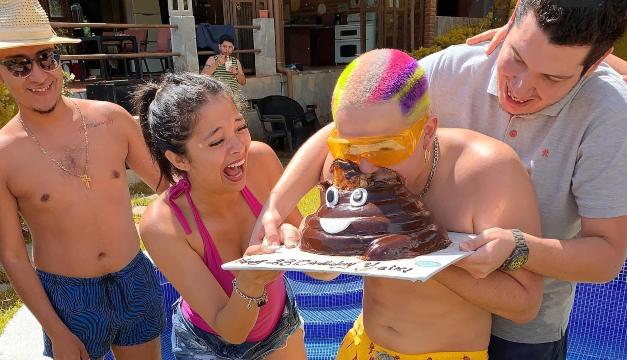 Sin mascarilla ni distancia social: Fiesta de cantante salvadoreño ...