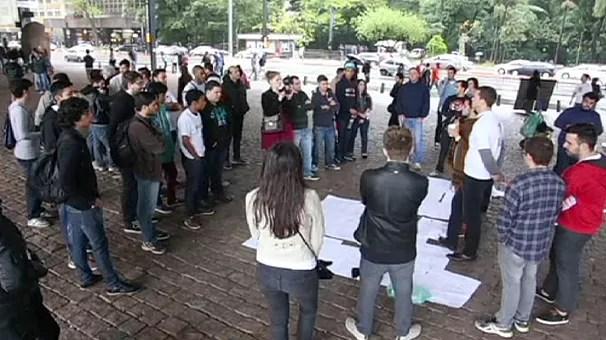 Utilizadores do Uber protestam em São Paulo