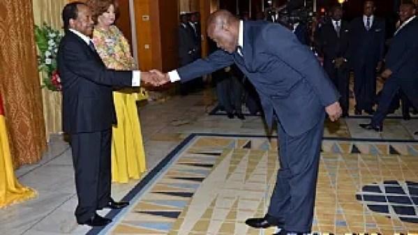 Cameroonians on social media mock minister over 'spectacular' handshake