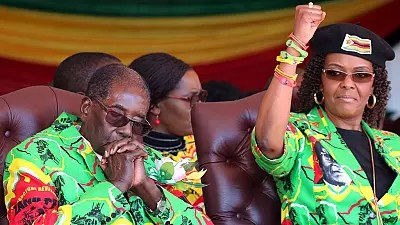 SA police issue 'red alert' for Mrs Mugabe amid diplomatic exit talks