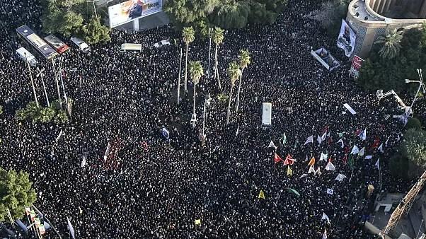 شاهد إيران تشيع سليماني في مراسم حاشدة على وقع هتاف الموت