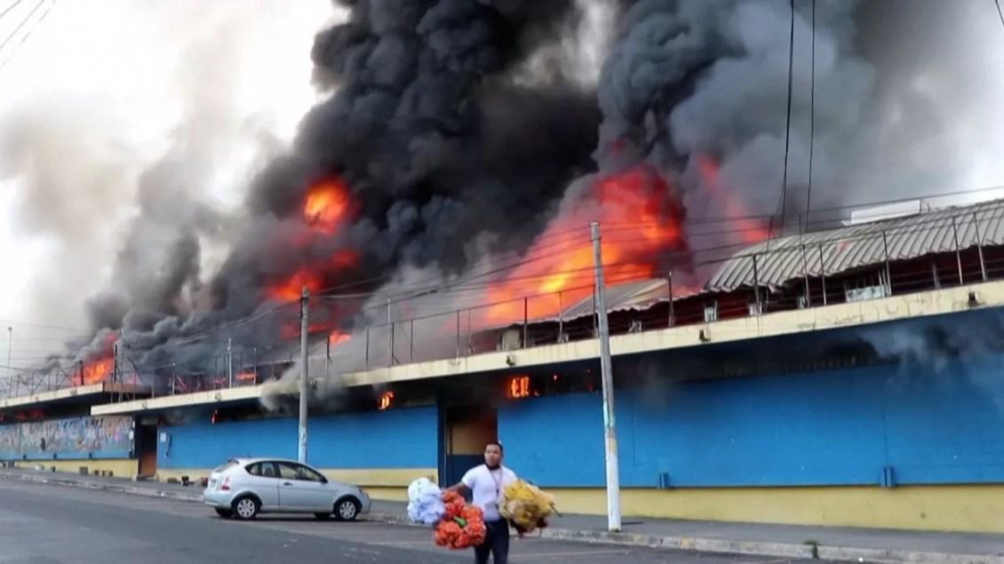 Descartan mano criminal en incendio de mercado San Miguelito