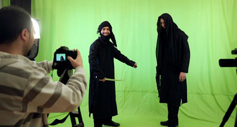 Les guignols du Califat, leur arme contre l'Etat islamique: l'humour