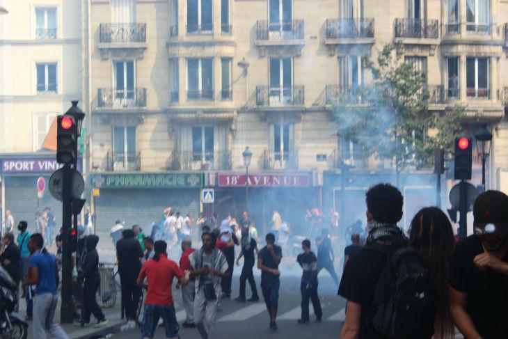 [Vidéo] Ramadan à Paris: les Algériens saccagent Barbès. Une démonstration du «pacifisme» de la religion de «paix et d'amour»