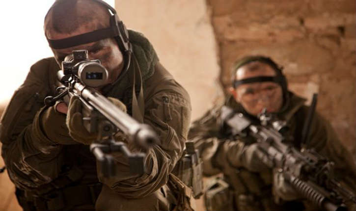 Un sniper britannique «décapite» un bourreau de l'Etat islamique à 1200 mètres avec un fusil de conception israélienne