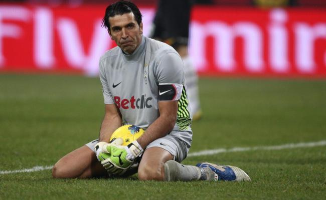 Juventus Lecce 1 1 L Errore Di Buffon Riaccende Le