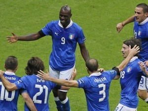 Germania-Italia 1-2, Balotelli trascina gli azzurri in finale.