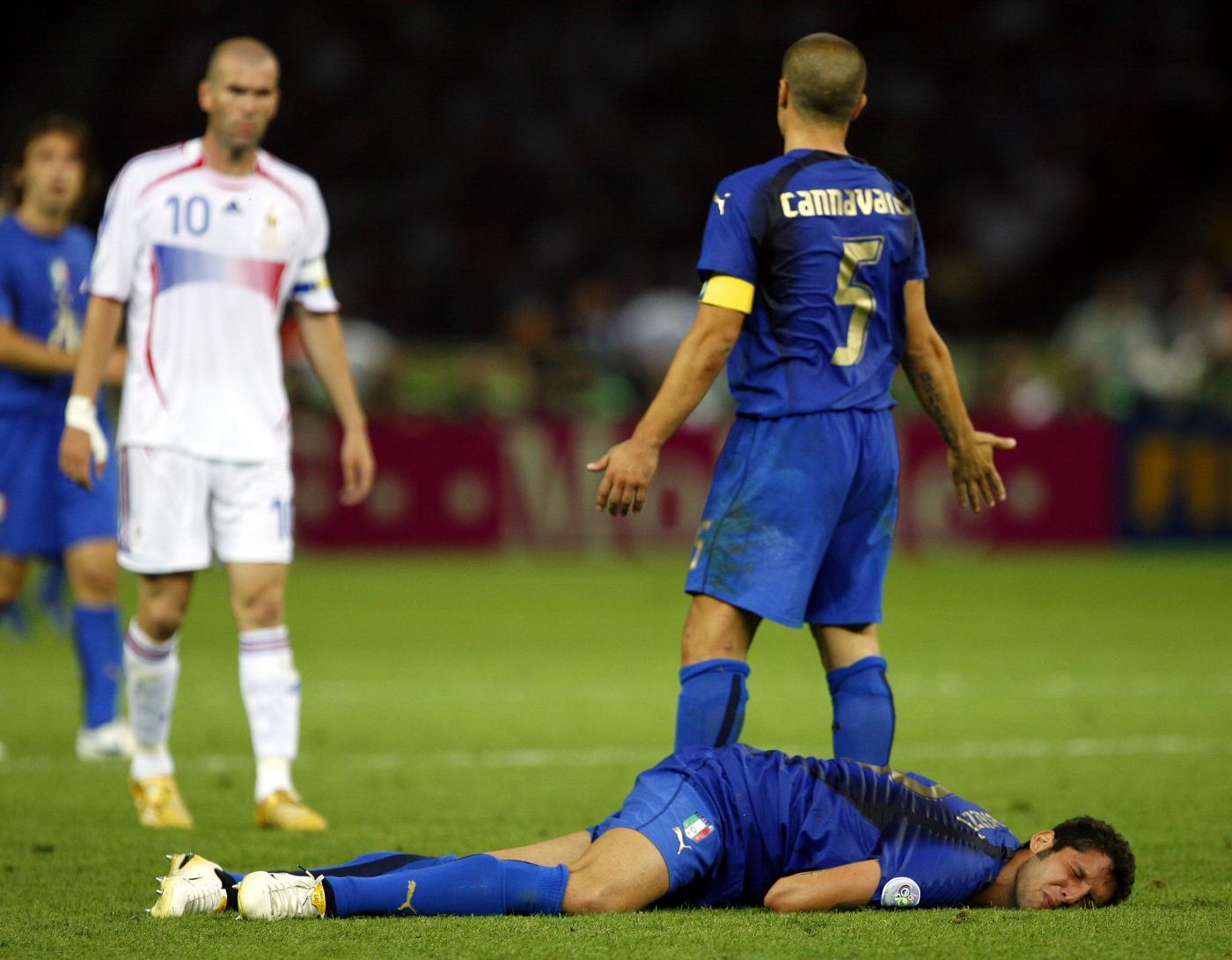 https://i0.wp.com/static.fanpage.it/calciofanpage/wp-content/uploads/2013/01/Materazzi-Zidane.jpg