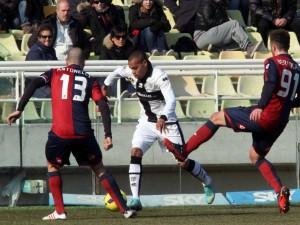 Fase di gioco Parma-Genoa 0-0