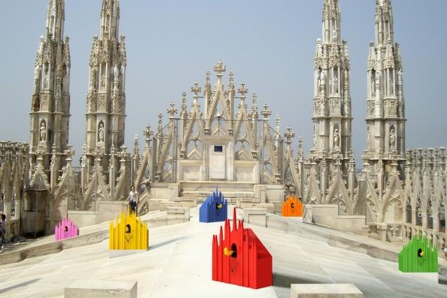 Un Cuc sulla cima del Duomo ecco lorologio di Milano