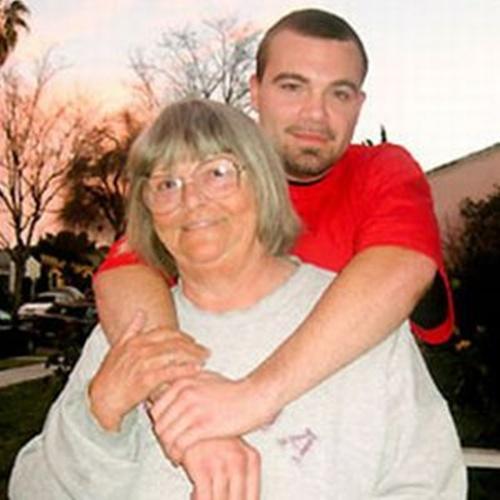 Amore incestuoso tra nonna e nipote ora aspettano un figlio