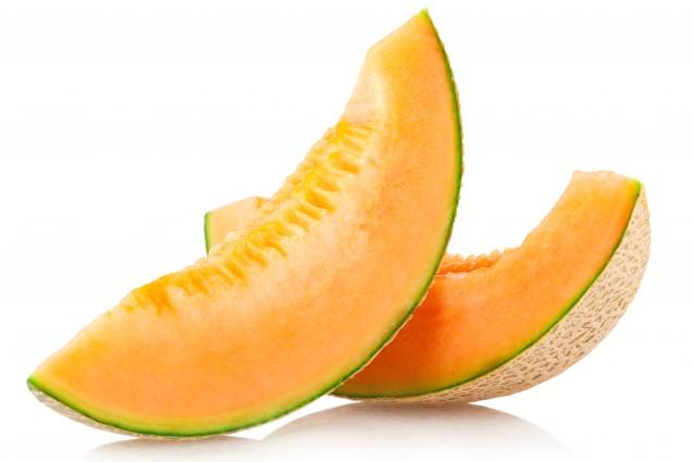 Stimola l'abbronzatura e combatte lo stress: 7 buoni motivi per mangiare il melone.