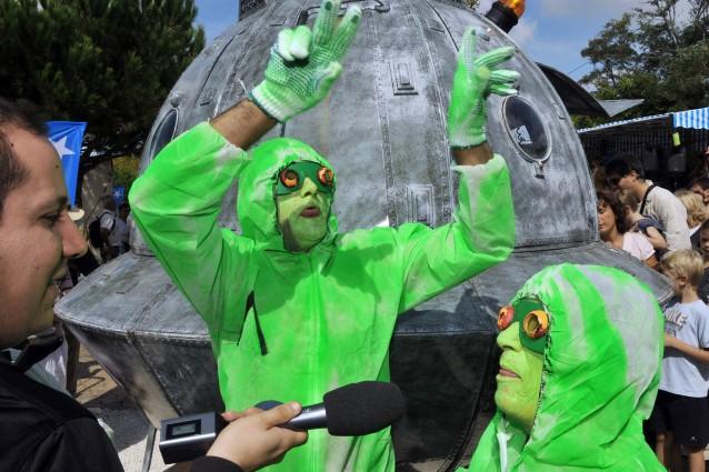Parlamentari extraterrestri: un'interrogazione al governo sugli UFO.
