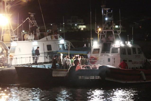 Affonda barcone a Brindisi, tre immigrati pachistani morti.