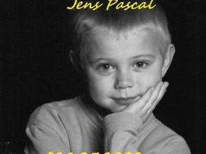 La Chiesa contro l'ultimo desiderio di Jens, ucciso da un tumore a 9 anni.