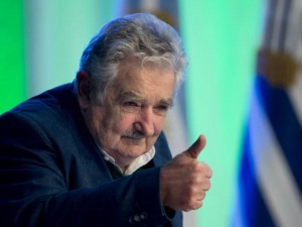 José Mujica, il presidente povero, annuncia: