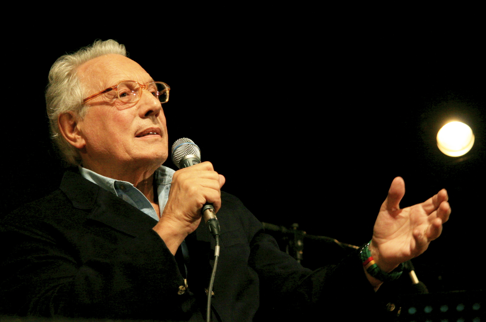 Milano celebra Enzo Jannacci alla Casa dellAccoglienza