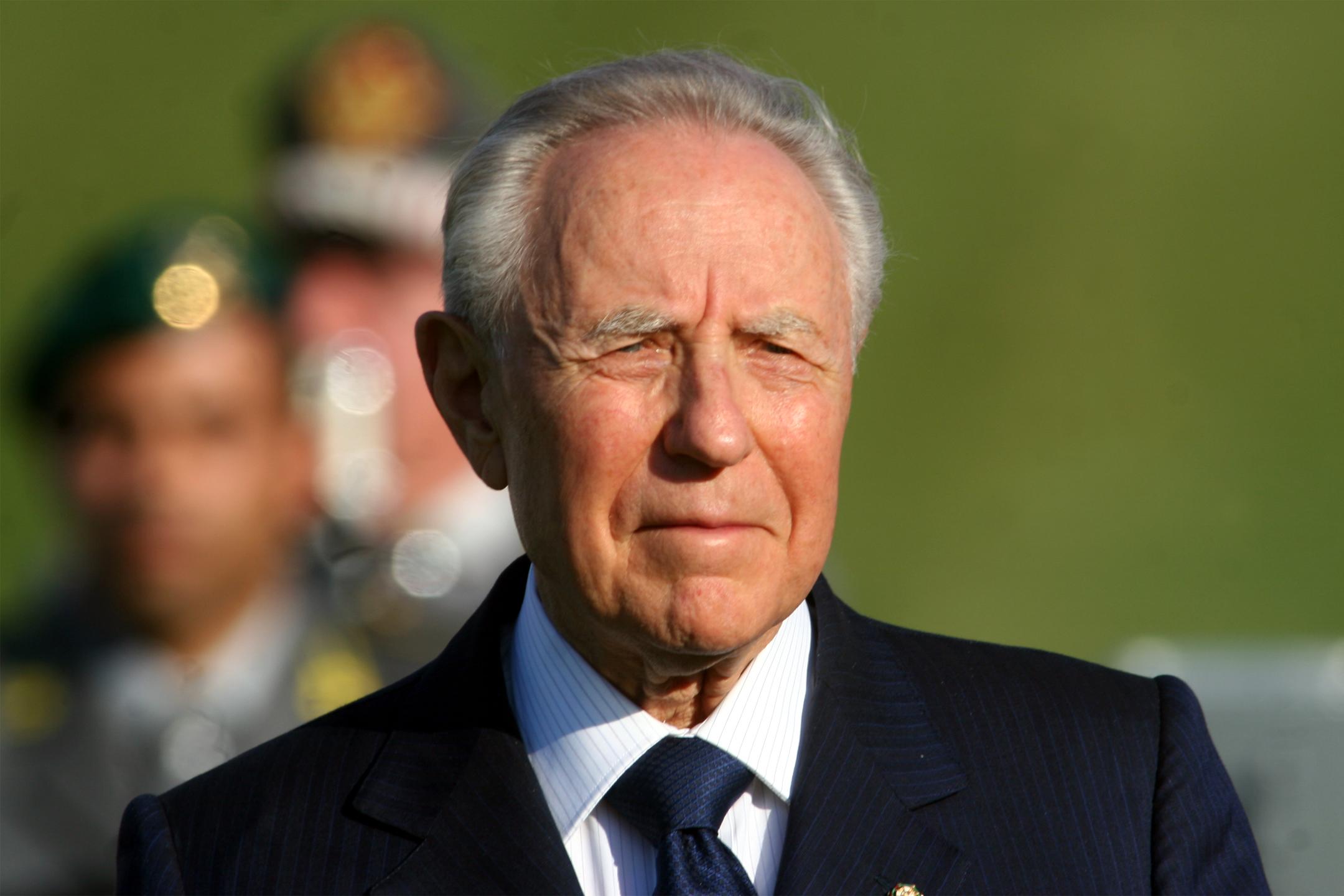 Carlo Azeglio Ciampi lascia lospedale di Bolzano